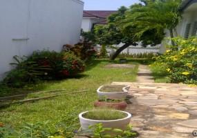 img_Accra-20120428-00058.jpg