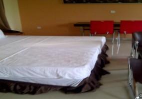 img_Accra-20120425-00053.jpg